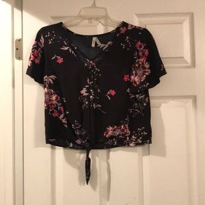 Mudd Black Top Front Tie S Pink Flower Design